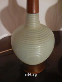 Mid Century Modern sublime pair blue ribbed table lamps walnut and pottery vtg