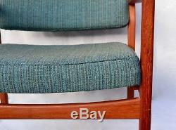 Mid Century Vintage Danish Vintage Skandinavian Modern Arm chair 1960s Walnut