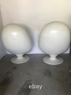 Mid Century Vtg 70s Futuristic Space Age Fiberglass Mod Pod Egg Chair