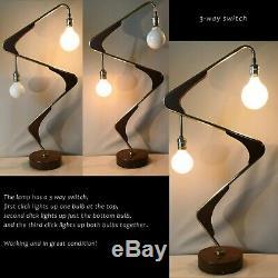 VINTAGE MID CENTURY MAJESTIC Z BOOMERANG ATOMIC LAMP Brass Walnut 3-way switch