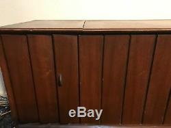 Vintage MID Century Danish Modern Zenith Stereo Console Records Model Mn2504