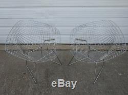 Vintage Mid-Century Modern Pair of Knoll Harry Bertoia Diamond Chrome Wire Chair