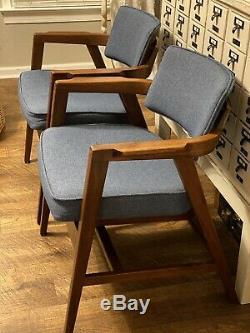 Vintage Wooden Mid Century Modern Gunlocke Co. Floating Accent Desk Arm Chair