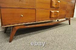 Vtg Mid Century Modern Walnut Dresser Credenza 75 Carlton House Oscar Friedman